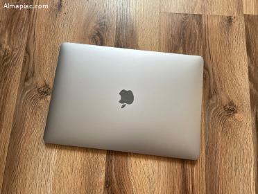 "Eladó 2018 MacBook Air Retina 13"""