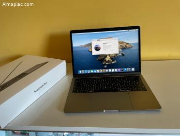 """Karcmentes 2018 MacBook Pro 13"""" Touch Bar, 4TB, Bomba Áron"""
